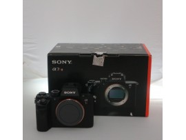 Used..!! Sony Alpha A7R II Body Only